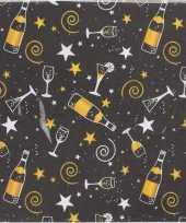 Zwarte nieuwjaarsdag servetten 16 stuks